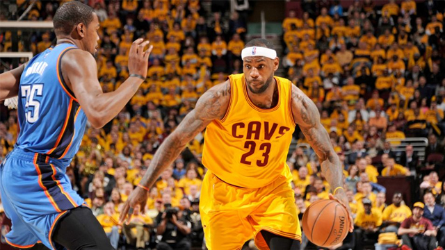 LeBron James scored 34 points in the Cavaliers' victory over the Oklahoma City Thunder.