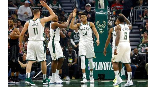 5994a705a7d3 Antetokounpo leads Bucks past Pistons for 2-0 series lead
