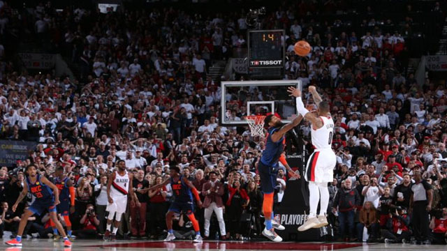 2f4ce55c16b5 Damian Lillard nails buzzer-beater from the logo to complete 50-point